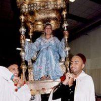 伝統衣装に身を包まれたモロッコ人の花嫁